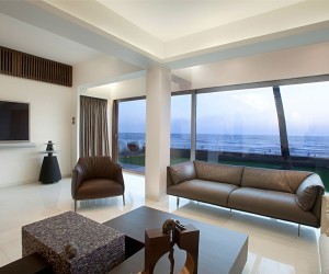 Apartment by the Beach in Mumbai, India by ZZ Architects
