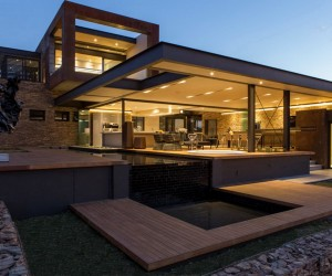 Luxurious Modern Residence in Pretoria, South Africa