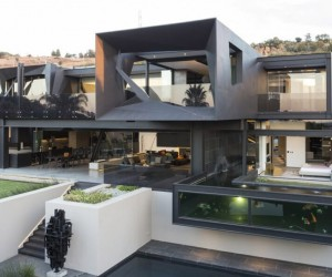 Sculptural Modern Home in Johannesburg, South Africa