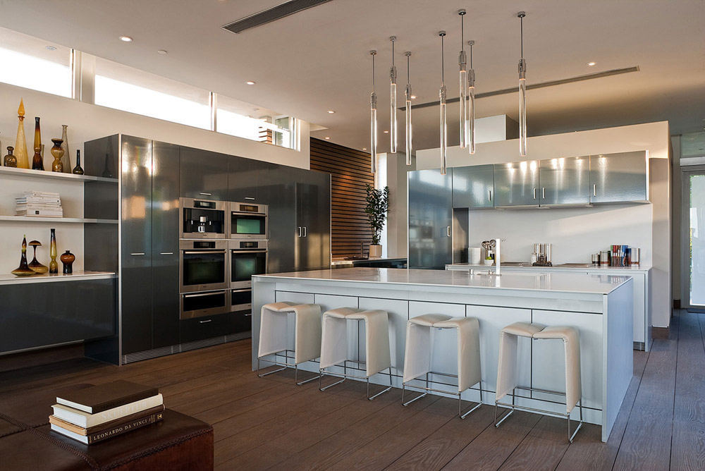 Blue Jay Way Residence by McClean Design