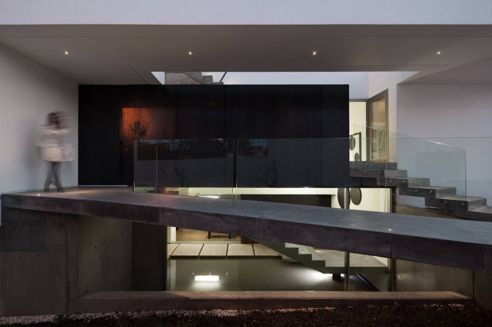 Concrete walkway, House In Lagos