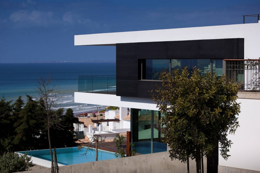 Pool and Views, House In Lagos