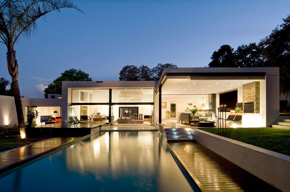 Moss Oaklands Residence by Nico van der Meulen Architects