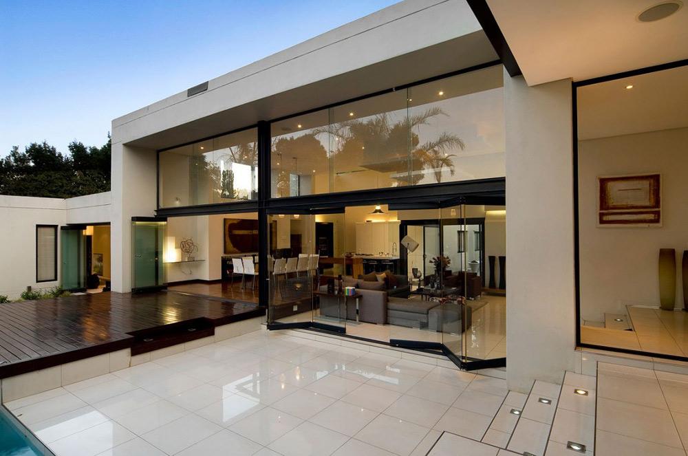 Terrace - Moss Oaklands Residence