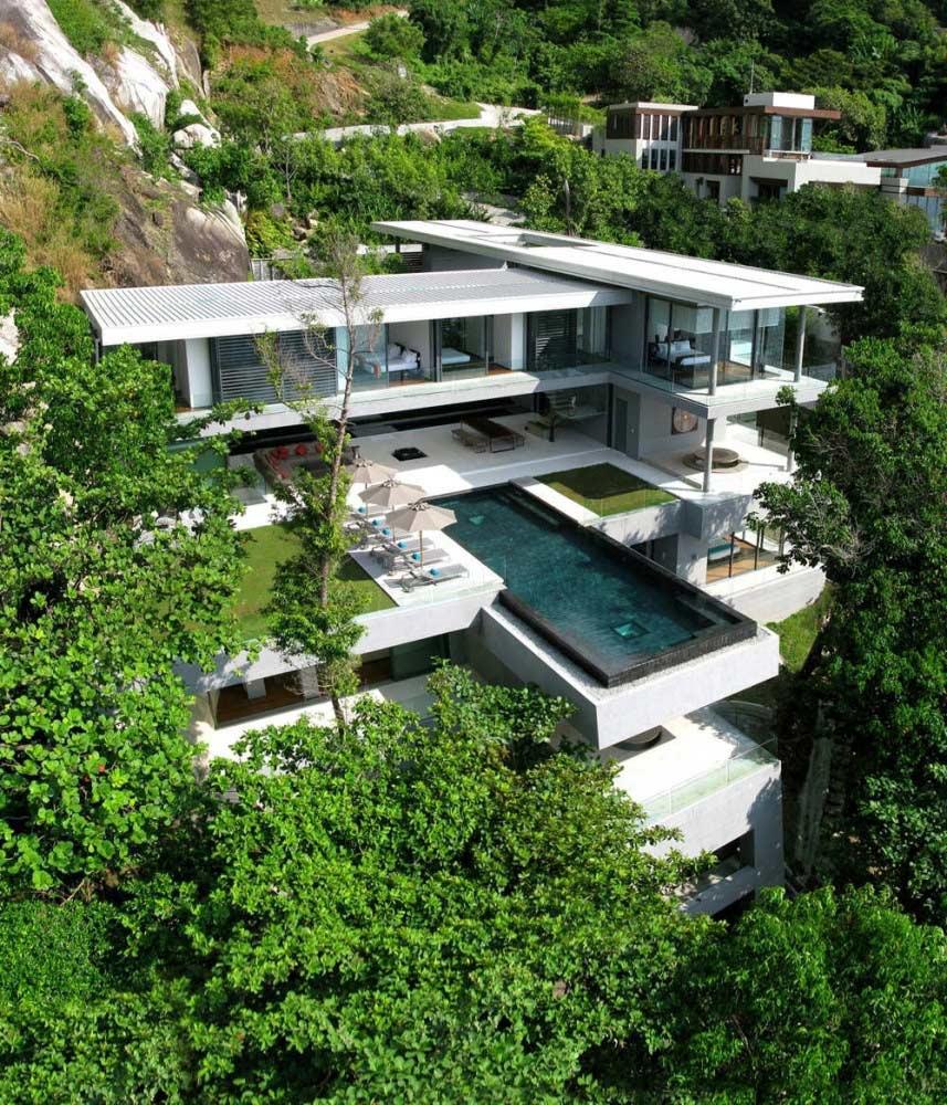 Villa Amanzi, Perched on a Cliff Edge in Phuket,Thailand