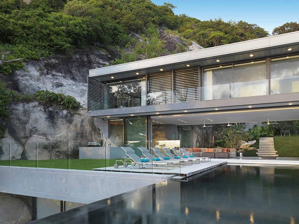 Villa Amanzi, pool, sun deck and outside kitchen
