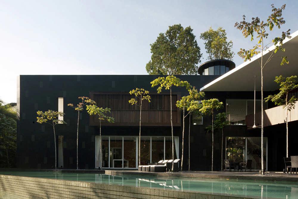 Pool, Black & White House