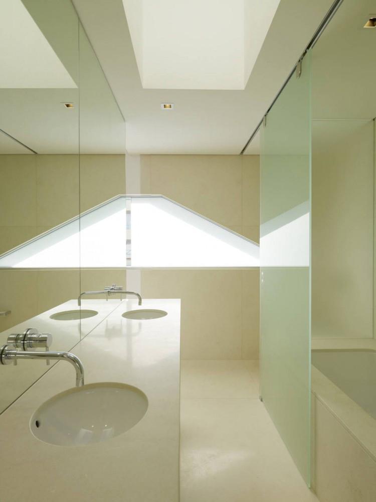Bathroom, Bondi Penthouse by MPR Design Group