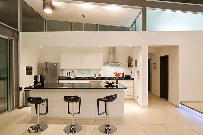 Kitchen, Casa Mecano by Robles Arquitectos