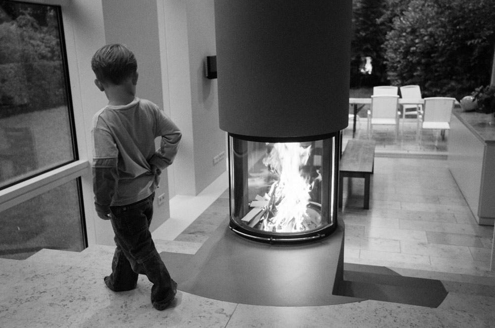 Fireplace, Haus W by Pott Architects