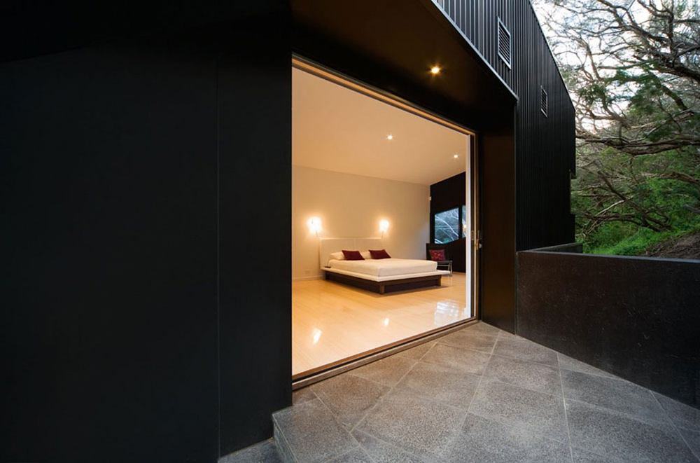 Bedroom, Klein Bottle House by McBride Charles Ryan