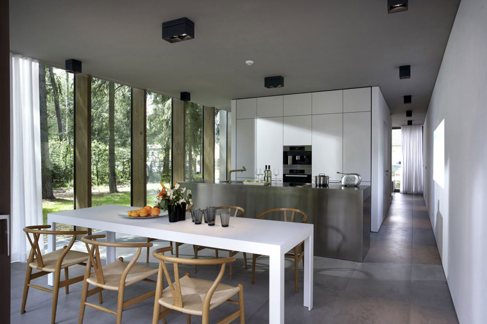 Kitchen & Dining, Minimum House by Scheidt Kasprusch Architekten