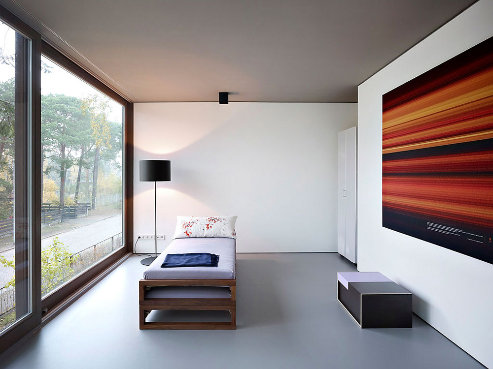 Bedroom, Minimum House by Scheidt Kasprusch Architekten