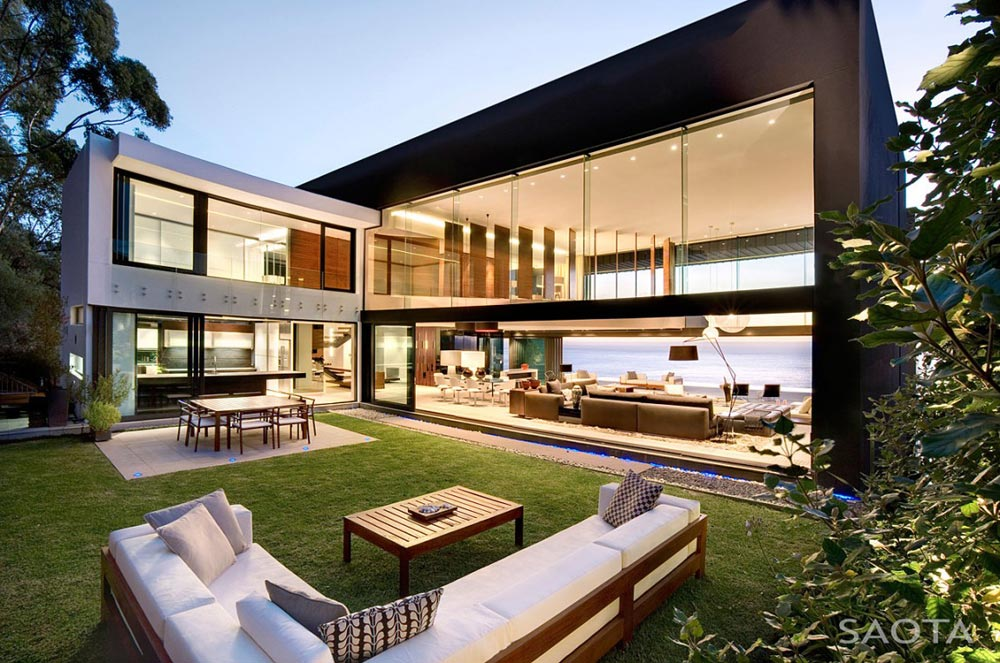 Garden Area, Nettleton 199 by SAOTA and OKHA Interiors