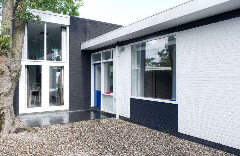 Gerrit Rietveld Bungalow by Remy Meijers