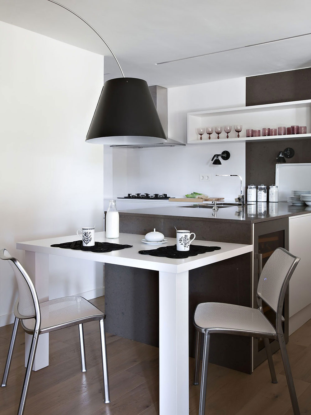 Kitchen & Breakfast, Vivienda en Llaveneres by Susanna Cots