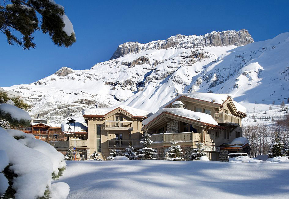 Chalet White Pearl, French Alps by Philippe Capezzone