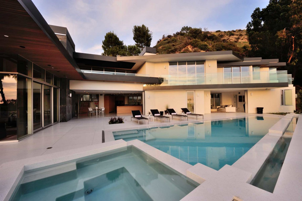 pool jacuzzi doheny residence hollywood hills by luca colombo design. Black Bedroom Furniture Sets. Home Design Ideas