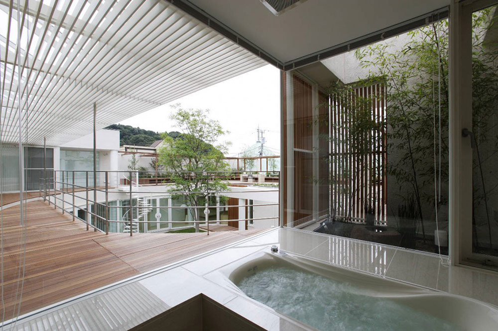 Bathroom, F Residence by Edward Suzuki Architecture
