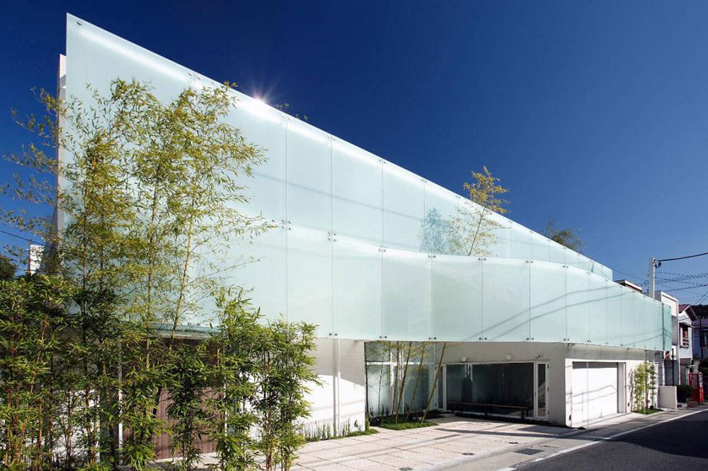 F Residence, Japan by Edward Suzuki Architecture