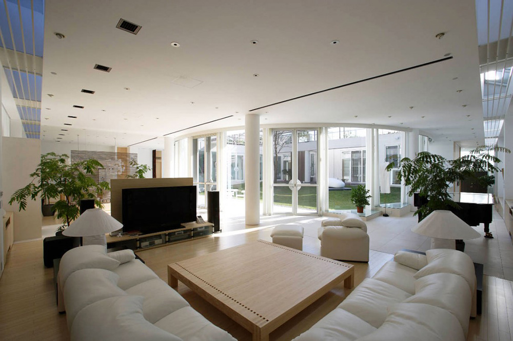 Living Space, F Residence by Edward Suzuki Architecture