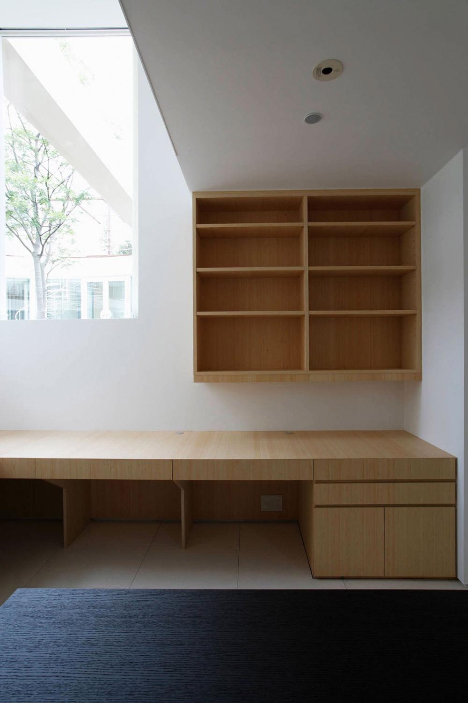 Office, F Residence by Edward Suzuki Architecture