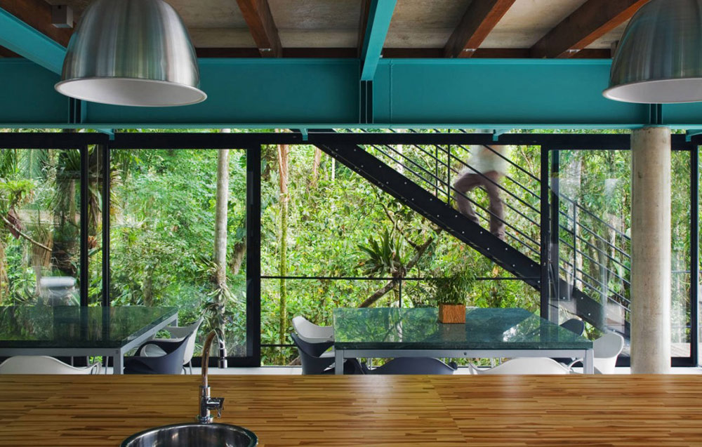 Kitchen & Dining, House in Iporanga,Brazil by Nitsche Arquitetos Associados