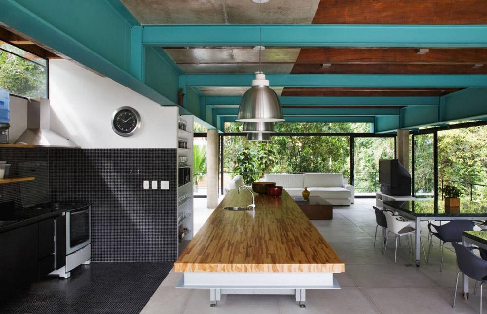 Kitchen, House in Iporanga,Brazil by Nitsche Arquitetos Associados