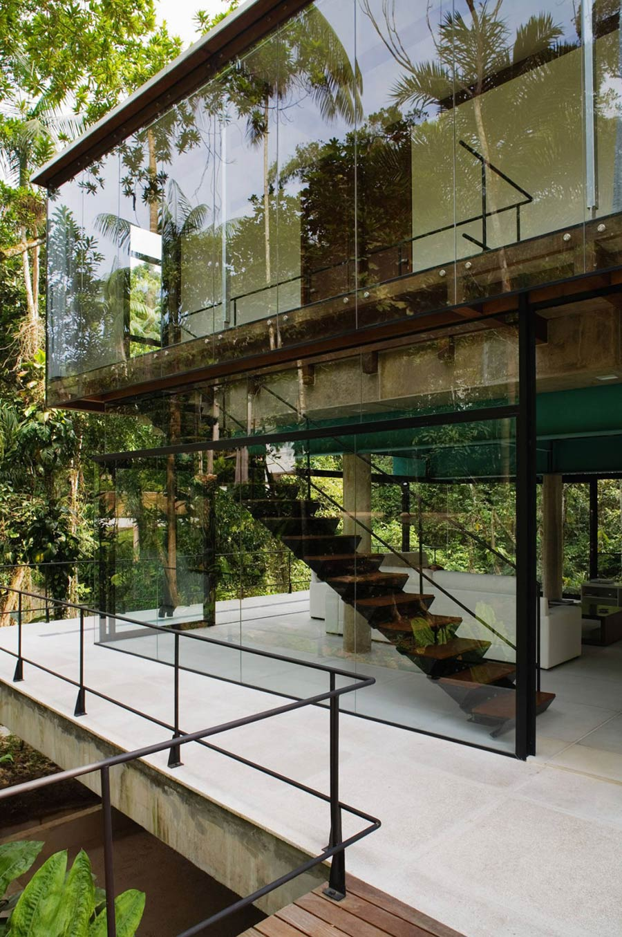 Staircase, House in Iporanga,Brazil by Nitsche Arquitetos Associados