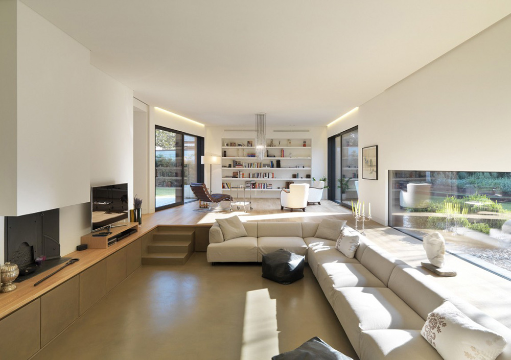 Living Space, House in Sassuolo by Enrico Iascone Architetti
