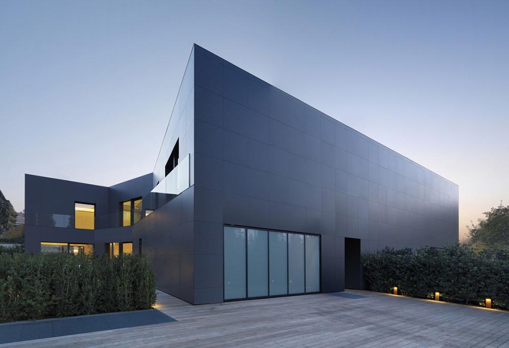 House in Sassuolo by Enrico Iascone Architetti