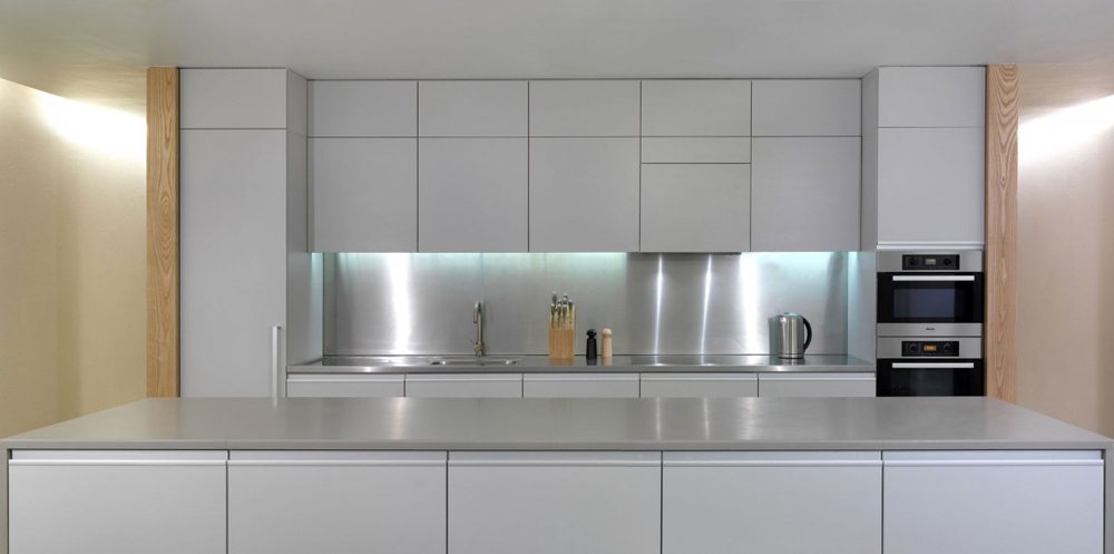 Kitchen, The Long House by Hopkins Architects