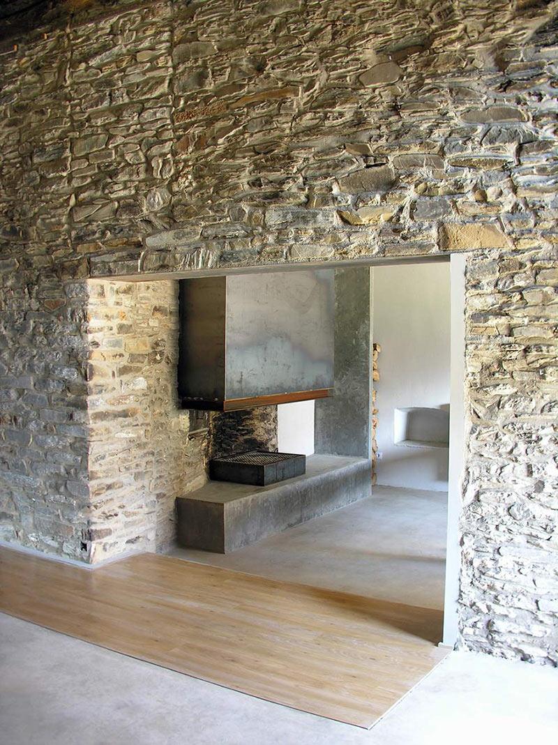 Contemporary Fireplace, Mas La Riba by Ferran López Roca Arquitectura