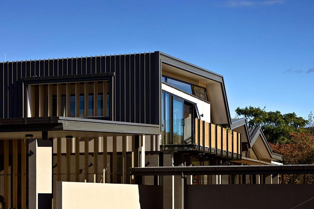 Mountain Range House by Irving Smith Jack Architects