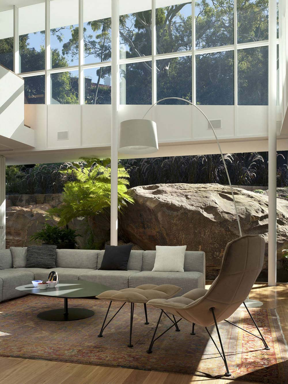 Open Living Space, Skirt + Rock House by MCK Architects