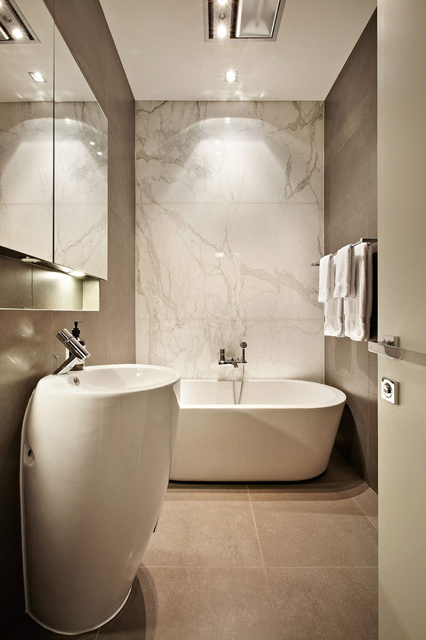 Bathroom, Top of the Hill Residence in Melbourne, Australia