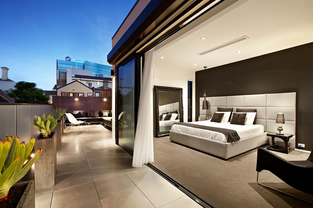 Bedroom, Top of the Hill Residence in Melbourne, Australia