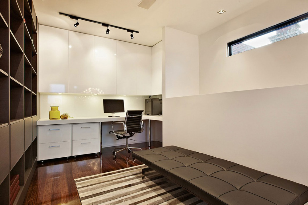 Office, Top of the Hill Residence in Melbourne, Australia