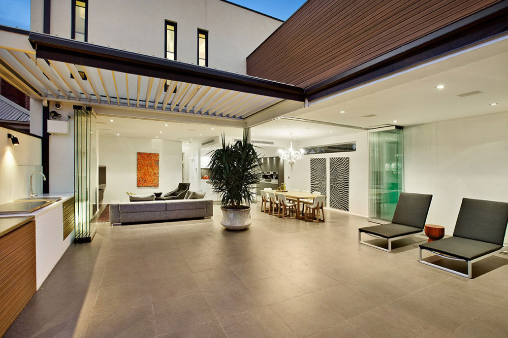 Terrace, Top of the Hill Residence in Melbourne, Australia