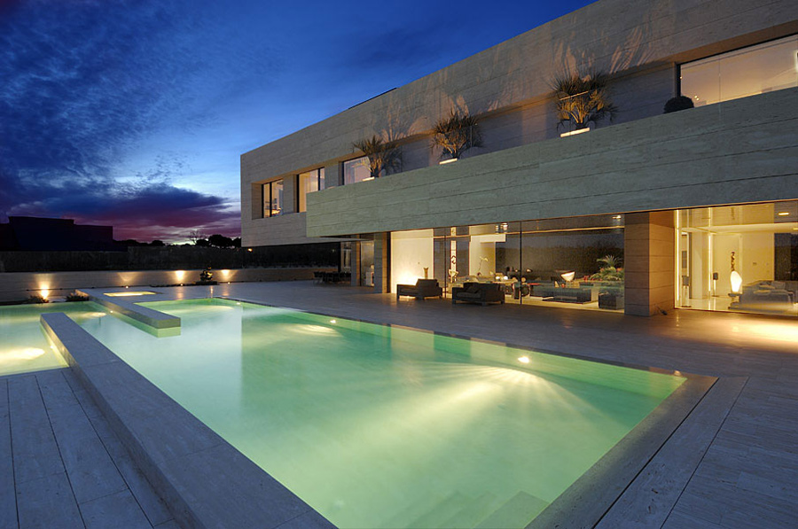 The Vivienda 19 by A-cero, Near Madrid, Spain