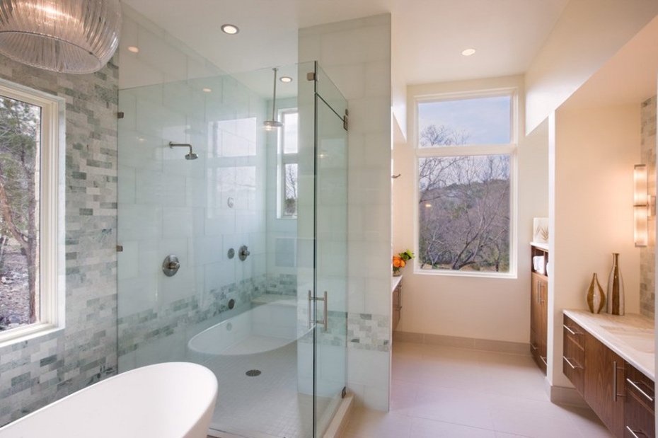 Bathroom, Westlake Drive House by James D. LaRue Architects
