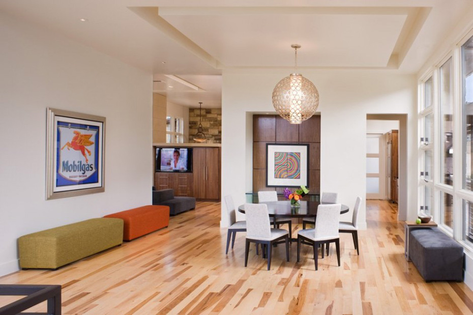 Dining Room, Westlake Drive House by James D. LaRue Architects