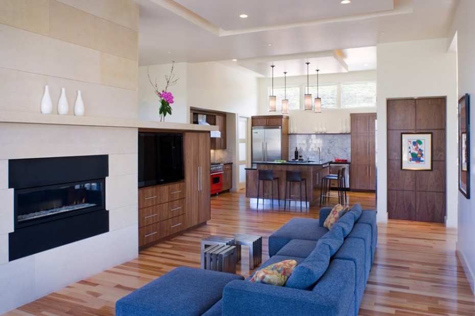 Firepalce, Living Space & Kitchen, Westlake Drive House by James D. LaRue Architects
