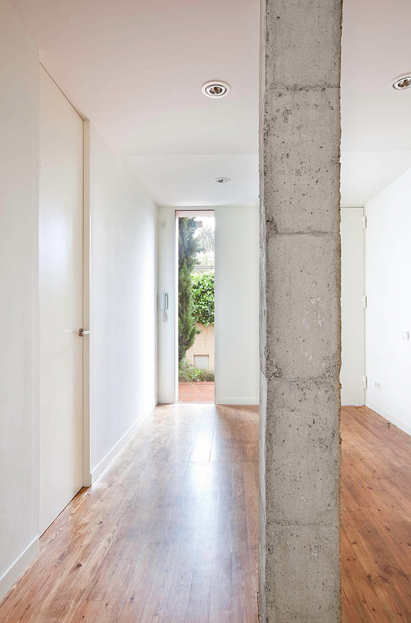 Hall, Bonanova Apartment by Marià Castelló Martínez