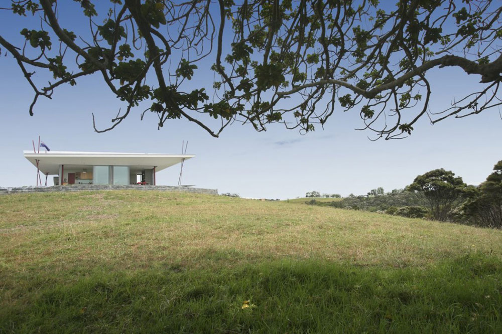 Bourke House, New Zealand by Pacific Environments Architects
