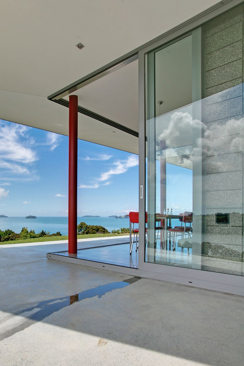 Glass Walls, Bourke House, New Zealand by Pacific Environments Architects