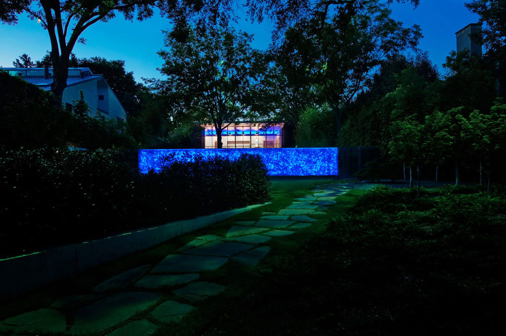 Recycled Glass Wall at Night, House in the Garden, Dallas by Cunningham Architects