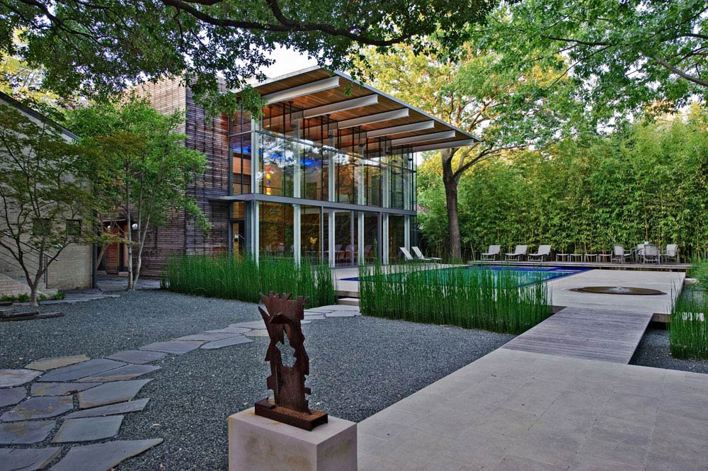 House in the garden dallas texas by cunningham architects for Garden design landscaping dallas tx