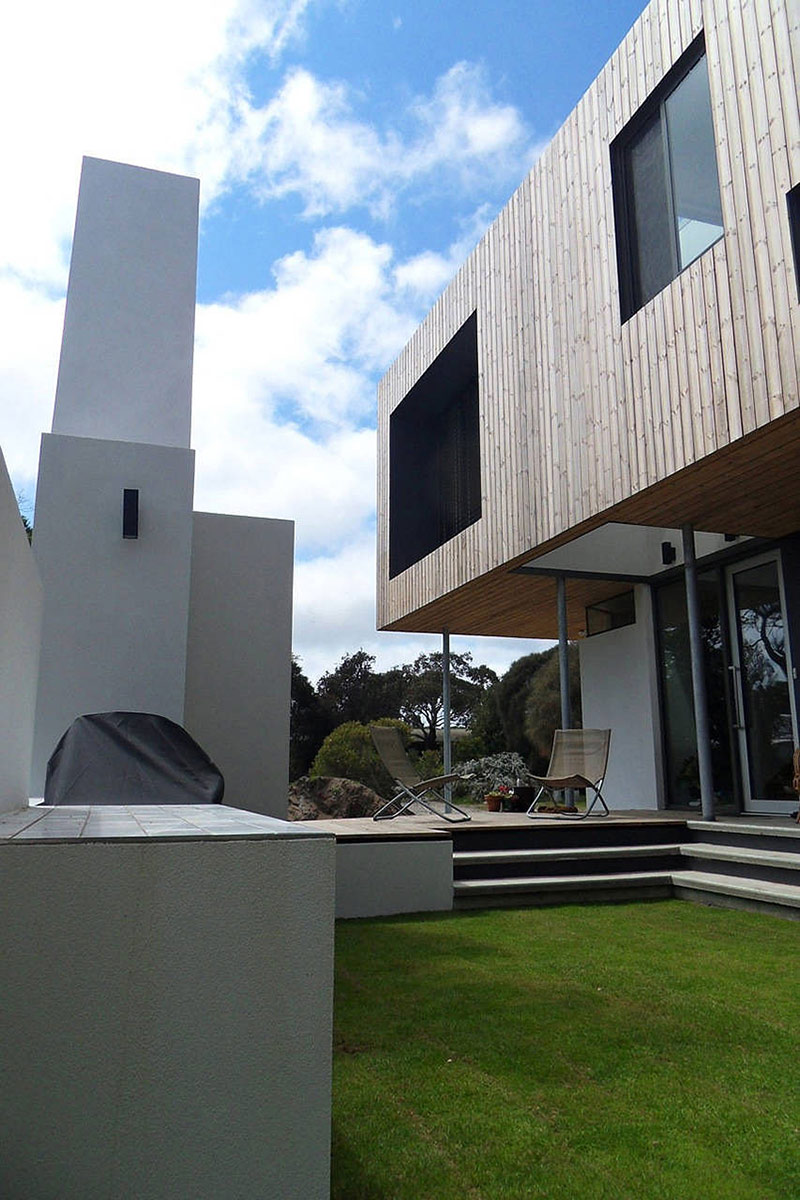 Outdoor Living, Lagoon Beach House, Tasmania by Birrelli Architecture