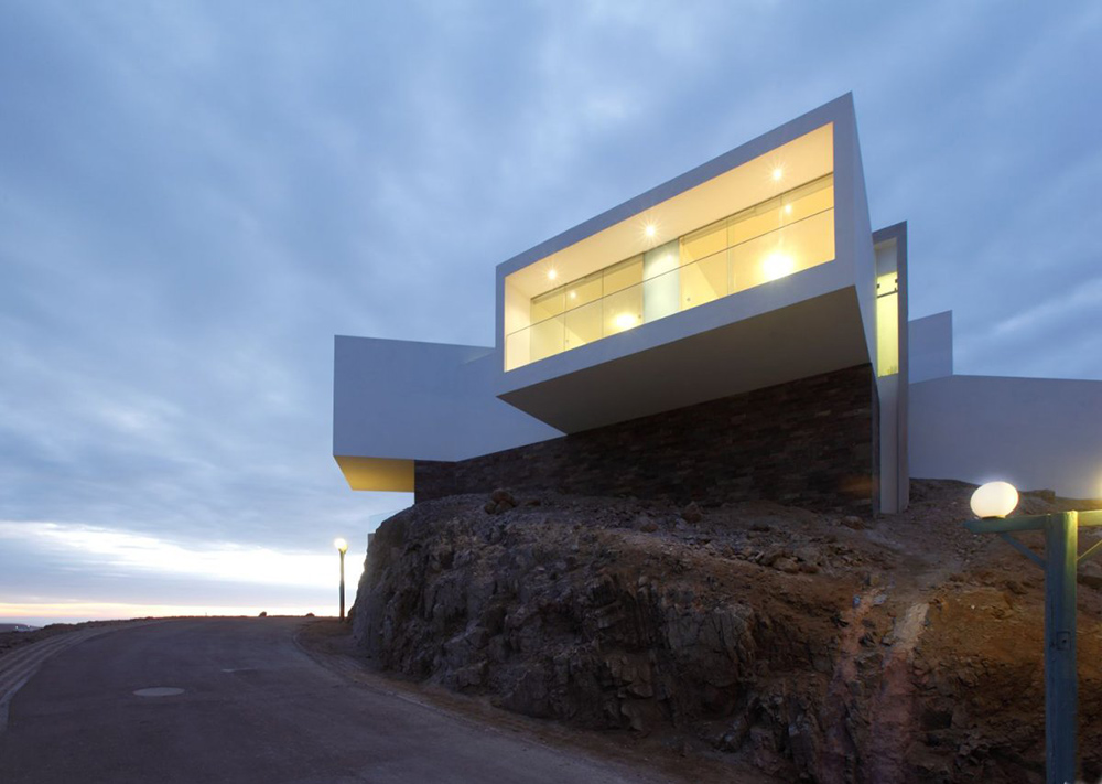 Evening, Casa Playa Las Lomas, Peru by Vértice Arquitectos